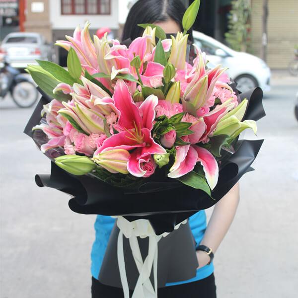 """Bó hoa Ly """"Ngát hương"""""""